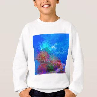 Neuer Tag kommt unter Blumen auf Sweatshirt