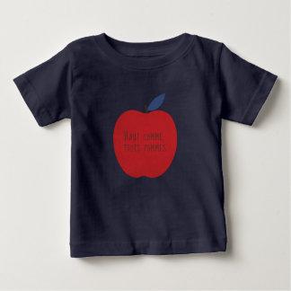 Nicht höher als drei Äpfel Baby T-shirt