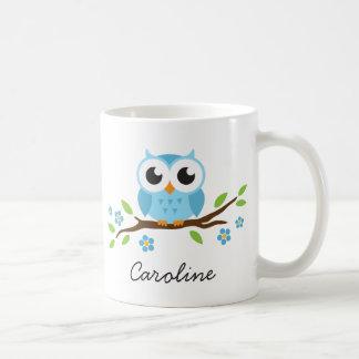 Niedliche blaue Eule auf personalisiertem Namen Kaffeetasse