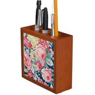 Niedliche entzückende moderne blühende Blumen Stifthalter