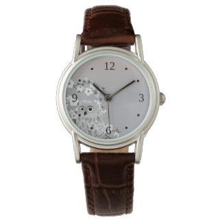 Niedliche Eulebeige Taupe-Weiß-Zahlen Armbanduhr