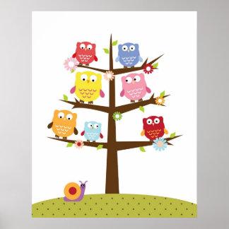 Niedliche Eulen auf Baumillustration Poster