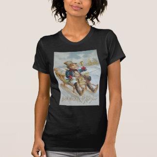 Niedliche Jungen-Schlitten-Schnee-Horn-Geschenke Tshirts