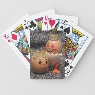Niedliche Ostern-Paar-Eier mit dem Haar Bicycle Spielkarten