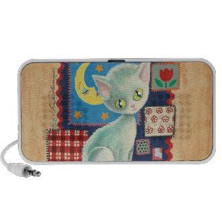 Niedliche weiße Kätzchen-und Steppdecken-Patchwork Lautsprecher