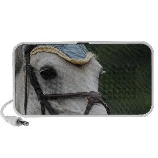 Niedliche weiße Ponyportable-Lautsprecher