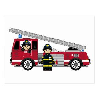 Niedlicher Cartoon-Feuerwehrmann und Feuer-Motor Postkarte