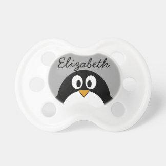 Niedlicher Cartoon Penguin mit grauem Hintergrund Schnuller