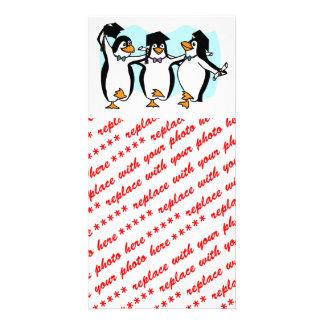 Niedlicher Cartoon schloss Penguins ab Photokartenvorlage
