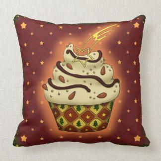 Niedlicher Cupcake mit Mandeln Kissen