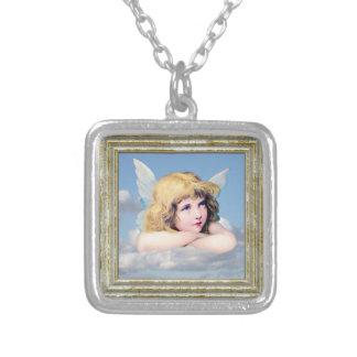 Niedlicher Engel in den Wolken Versilberte Kette