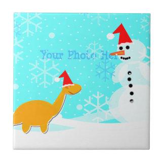 Niedlicher frohe Weihnacht-Dinosaurier u. Kleine Quadratische Fliese