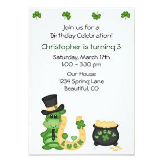 Niedlicher glücklicher irischer Drache-und 12,7 X 17,8 Cm Einladungskarte