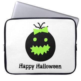 Niedlicher Halloween-Kürbis mit Bogen Laptopschutzhülle