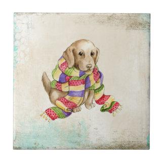 Niedlicher inländischer Hunde- Hund mit einem Kleine Quadratische Fliese