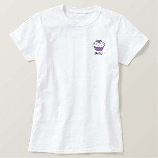Niedlicher lila Kuchen-personalisiertes gesticktes Besticktes T-Shirt