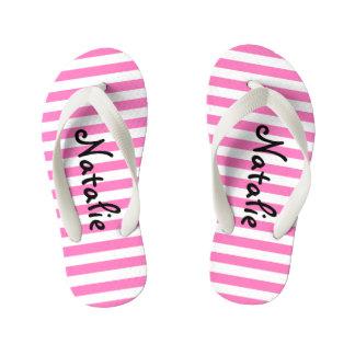 Niedlicher rosa und weißer Streifen personalisiert Kinderbadesandalen