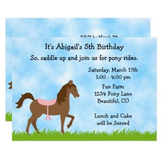 Niedliches Brown-Pferdepony reitet Mädchen, die 12,7 X 17,8 Cm Einladungskarte