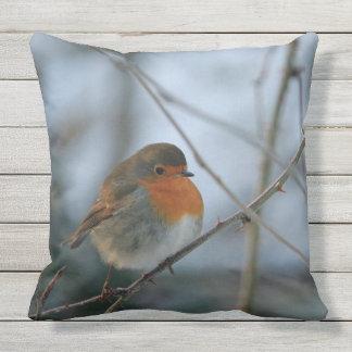 Niedliches Brust-Vogel-Foto Robins rotes Zierkissen