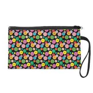 Niedliches buntes Knopfmuster Wristlet