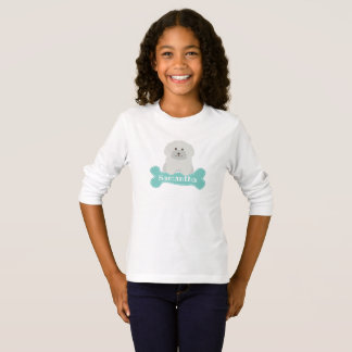 Niedliches flaumiges weißes T-Shirt