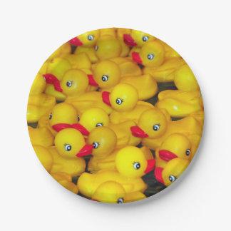 Niedliches gelbes Gummiduckies Muster Pappteller