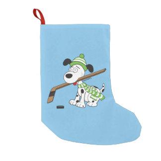 Niedliches Hockey-Hundegrün mit Hockey-Stock Kleiner Weihnachtsstrumpf