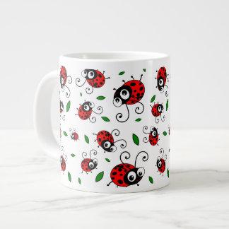 Niedliches Marienkäfermuster Jumbo-Mug