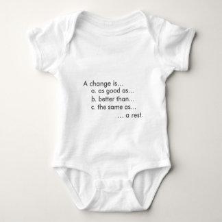 Niedliches und lustiges babygro baby strampler