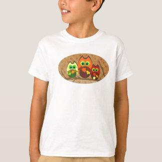 Niedliches Youthful Herbst-Eulen-Trio - T-Shirt