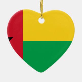 Niedrige Kosten! Guinea-Bissau Flagge Keramik Herz-Ornament