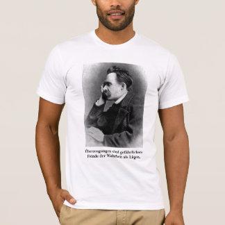 Nietzsche: Überzeugungen sind gefährlichere Feinde T-Shirt