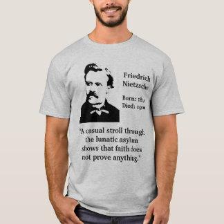 Nietzsche verrücktes Asyl-Zitat T-Shirt