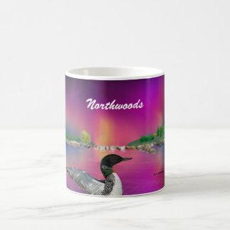 Northwoods Hand gezeichneter Loon und Aurora Kaffeetasse