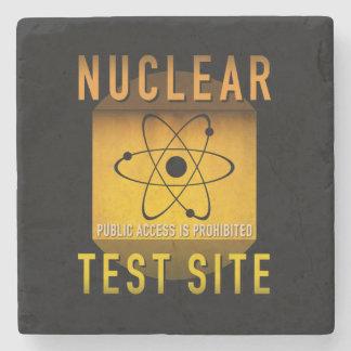 Nuklearer Test-Standort-Retro AtomalterGrunge: Steinuntersetzer