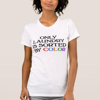 Nur Wäscherei wird durch FarbT - Shirt sortiert