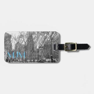 NYC im Winter-Monogramm-Gepäckanhänger Kofferanhänger