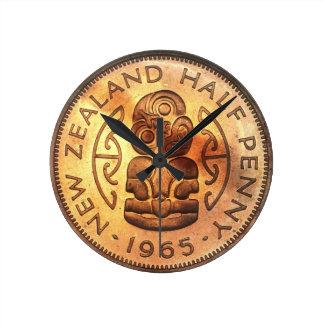 NZ Neuseeland halbe Penny Tiki Uhr