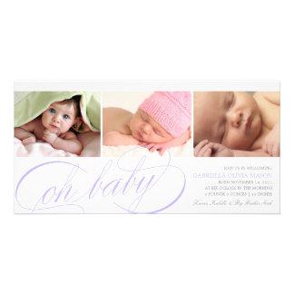 Oh Skript-Geburts-Mitteilung des Baby-| lila Karte