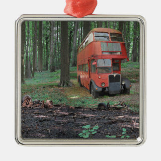 Old Iron II - alter englischer Bus Quadratisches Silberfarbenes Ornament