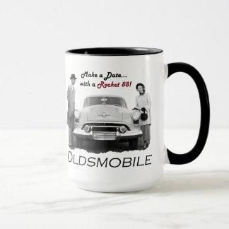 """Oldsmobile """"machen ein Datum… mit einem Rocket Tasse"""