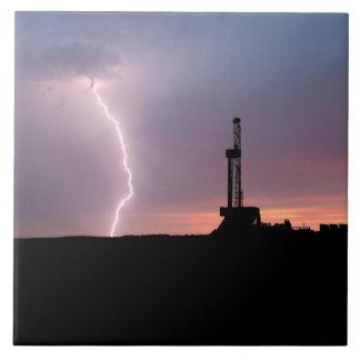 Ölfeld-Blitz-lila Sonnenaufgang Fliese