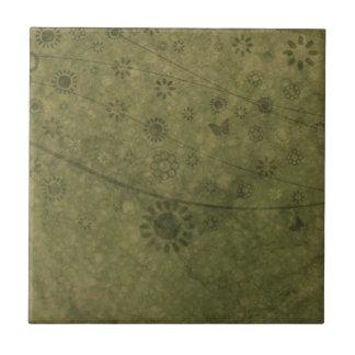 Olivgrünes Grün-Retro Blumen und Schmetterlinge ab Kleine Quadratische Fliese