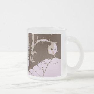 Opossum-Pop-Kunst Matte Glastasse