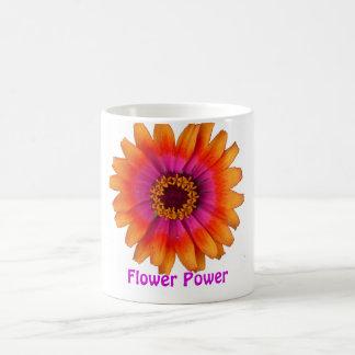 orange de marguerite de flower power, flower power mug blanc