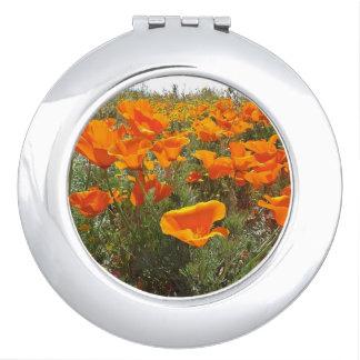 Orange Mohnblumen-Feld der Blumen Taschenspiegel