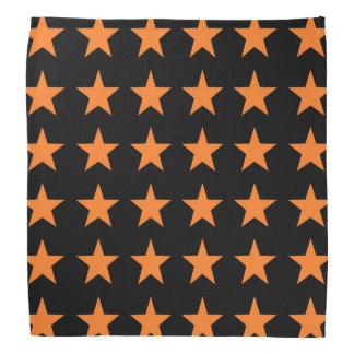 Orange spielt Schwarzes die Hauptrolle Kopftuch