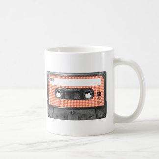 Orange und weiße kaffeetasse