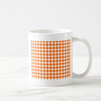 Orange und weißer Gingham Kaffeetasse