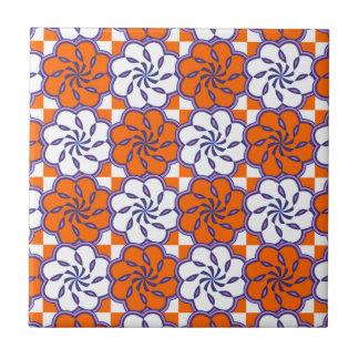 Orange Weiß des Retro Siebzigerjahre großen Blumen Kleine Quadratische Fliese